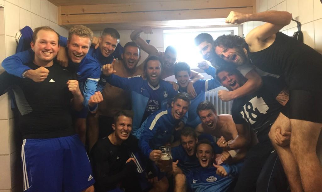 Photo of TSV Burgheim gewinnt Lokalderby gegen Spitzenreiter SV Straß